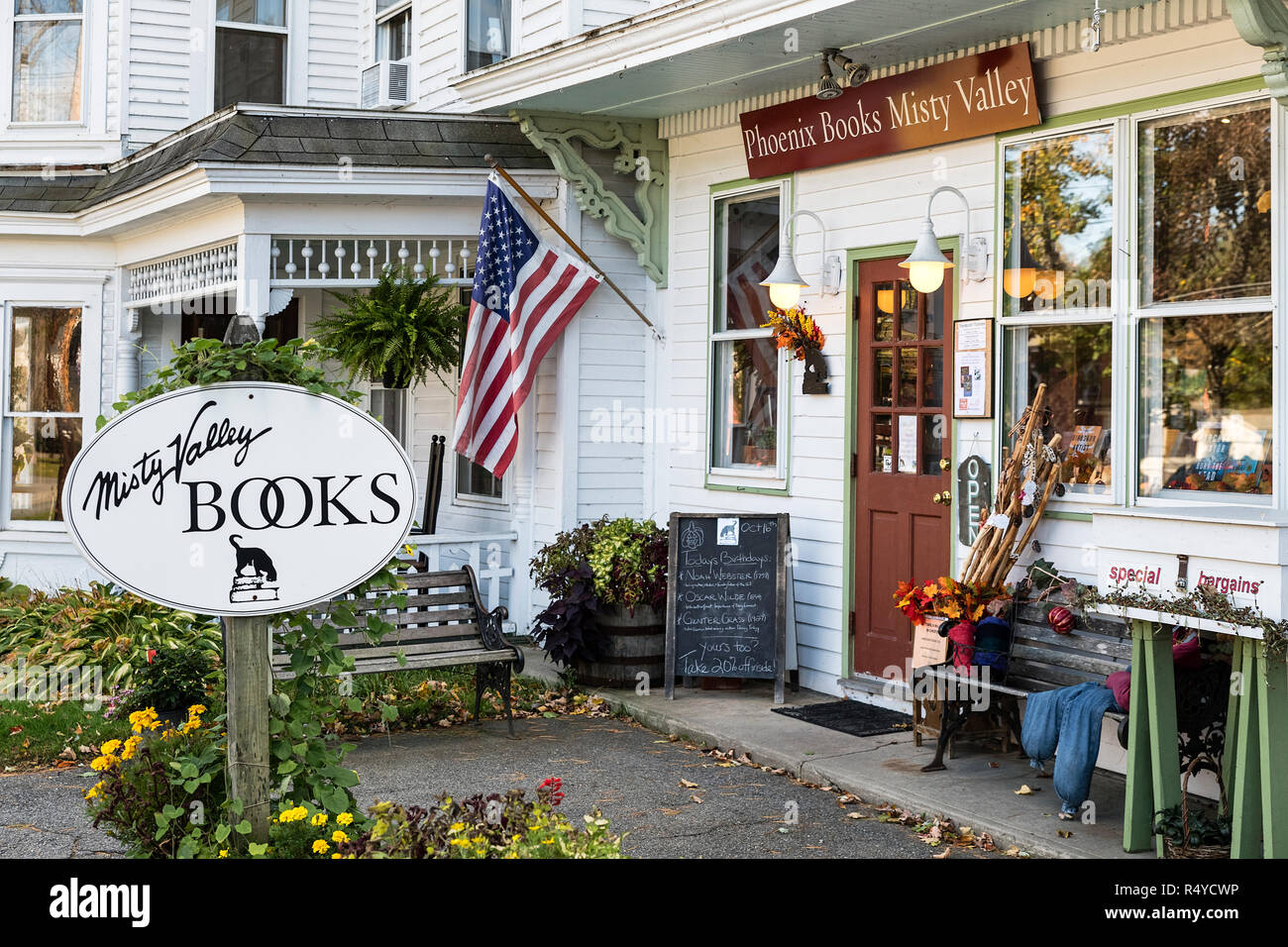 Charming bookstore, Chester, Vermont, USA. - Stock Image