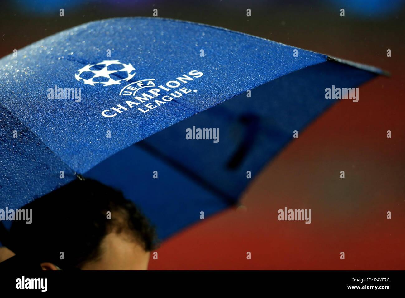 Tottenham Hotspur Logo Stock Photos & Tottenham Hotspur Logo