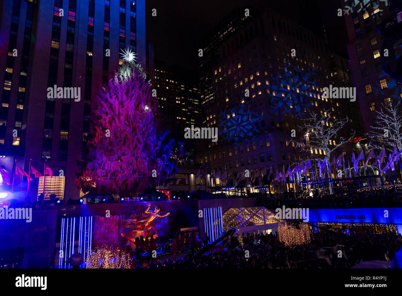 Rockefeller Center Christmas Tree Lighting Ceremony Stock Photos ...