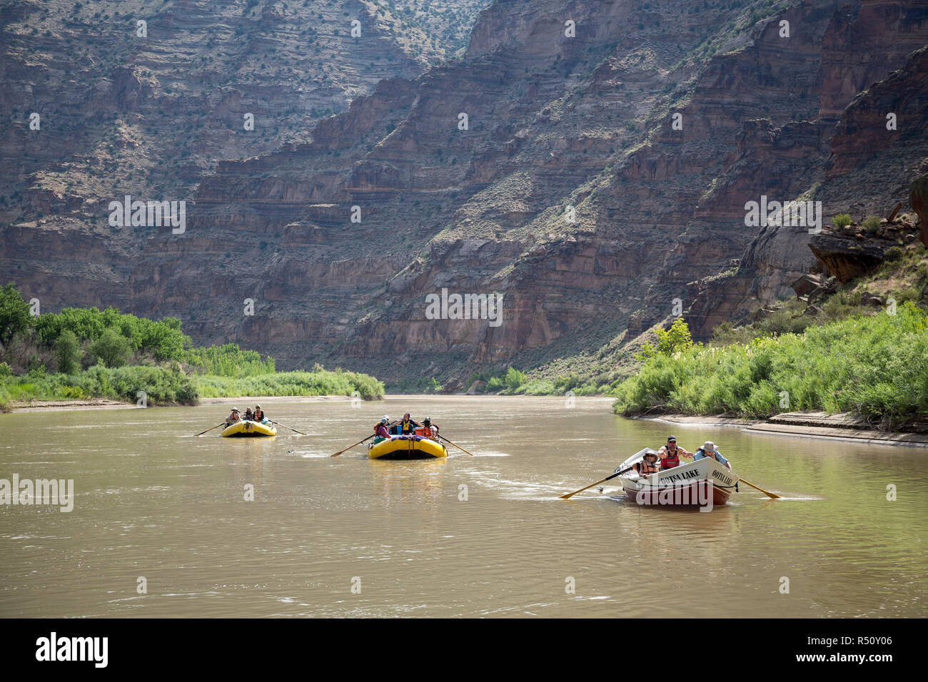 People in rafts and rowboats on Green River on Desolation/Gray Canyon section, Utah, USA - Stock Image