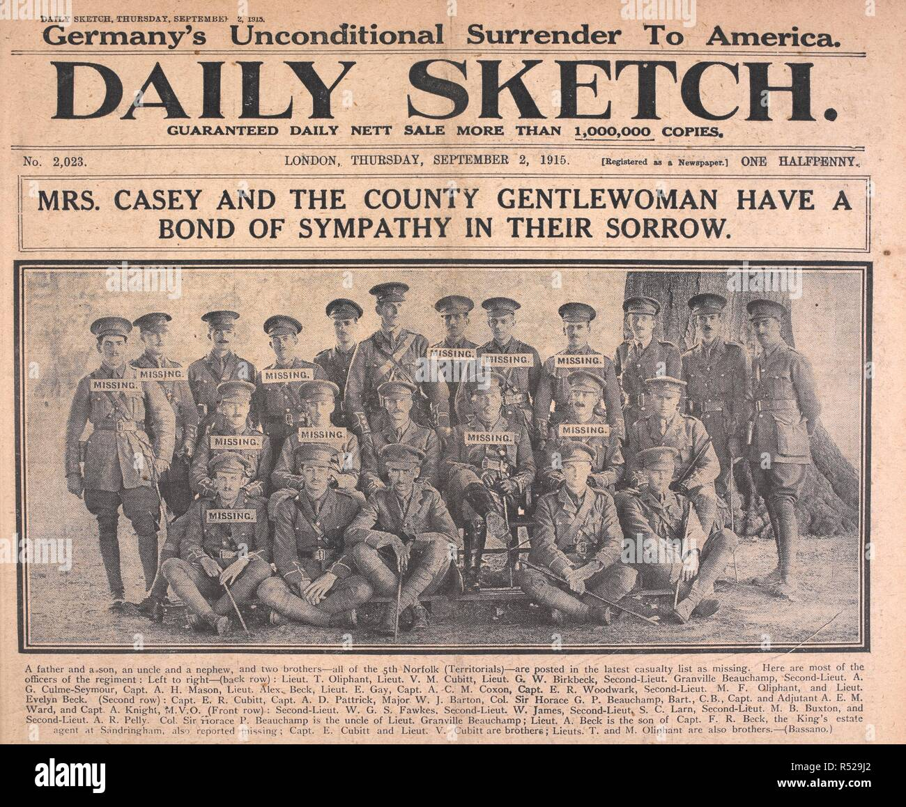 'Mrs Casey and the county gentlewoman have a bond of sympathy in their sorrow.'  A group photograph of the 5th Norfolk (territorials) regiment, showing how many are missing in action. Daily Sketch. London, 1915. Source: Daily Sketch, 2 September 1915, front page. Author: BASSANO. - Stock Image