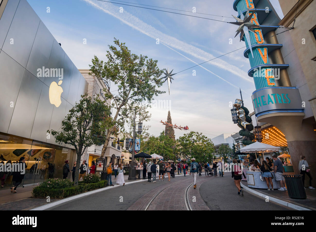 apple store at the grove