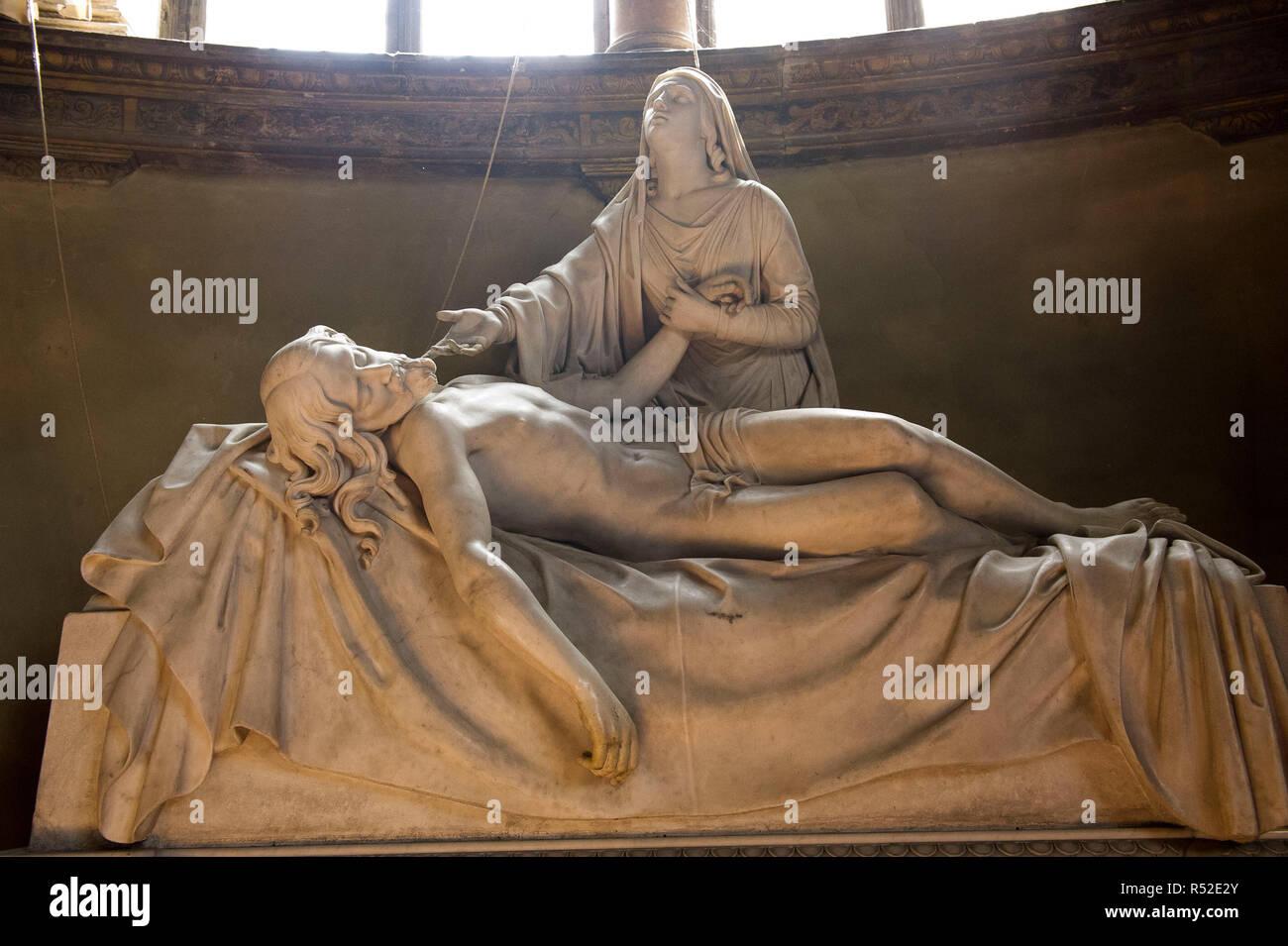 Italy, Emilia Romagna, Parma, Basilica of S. Maria della Steccata, frescoes by Parmigianino, funeral monument in marble, piety, - Stock Image