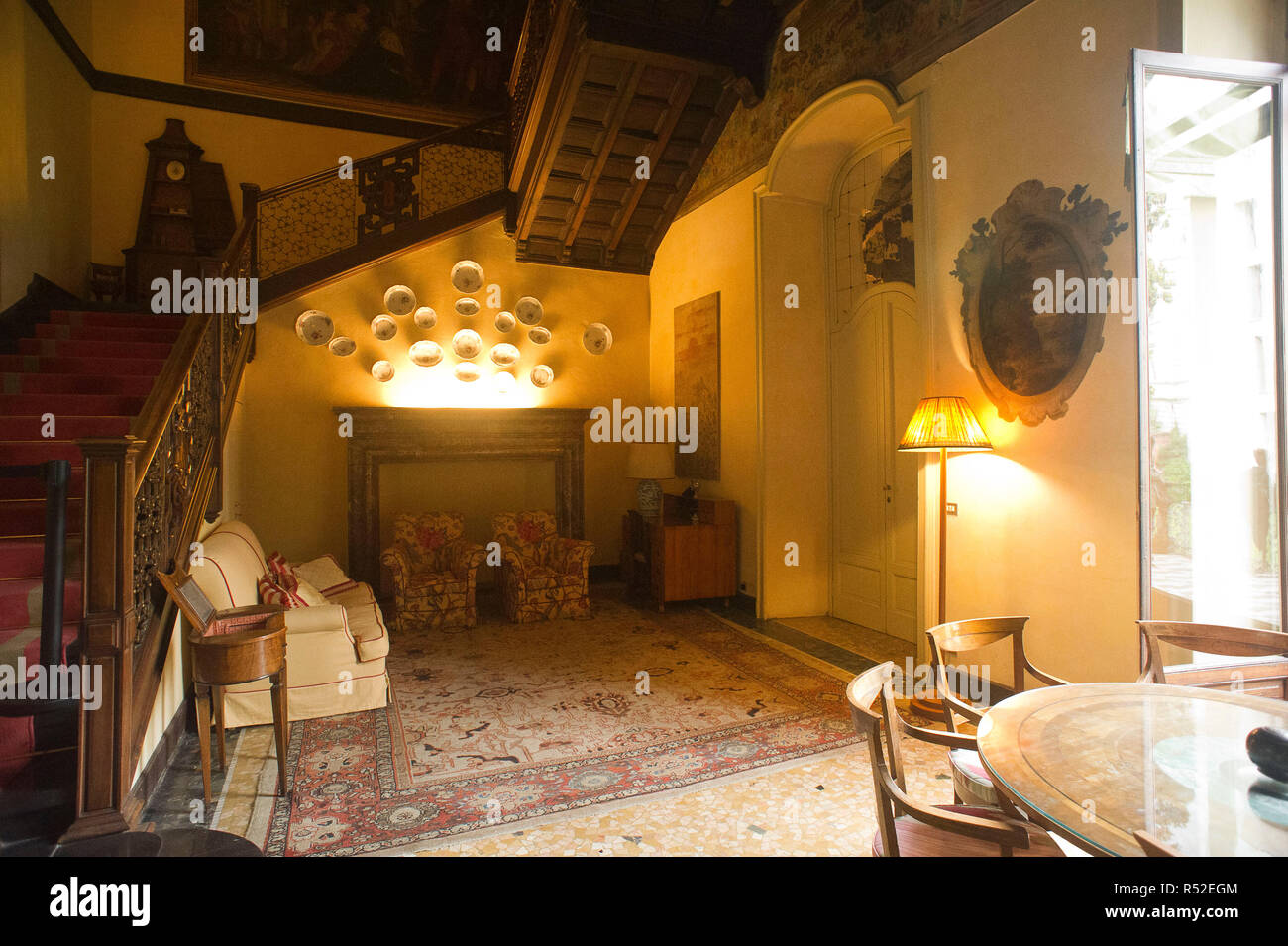 Italy, Lombardy, Milan, Casa Atellani is fifteenth century where Leonardo da Vinci lived and in the garden is his vineyard. A courtyard is fifteenth and a bramantesco. - Stock Image