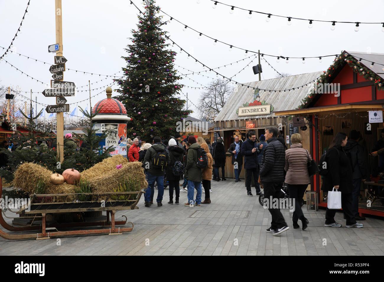 Christmas market at Zurich near opera theatre, Zurich, Switzerland, Europe - Stock Image