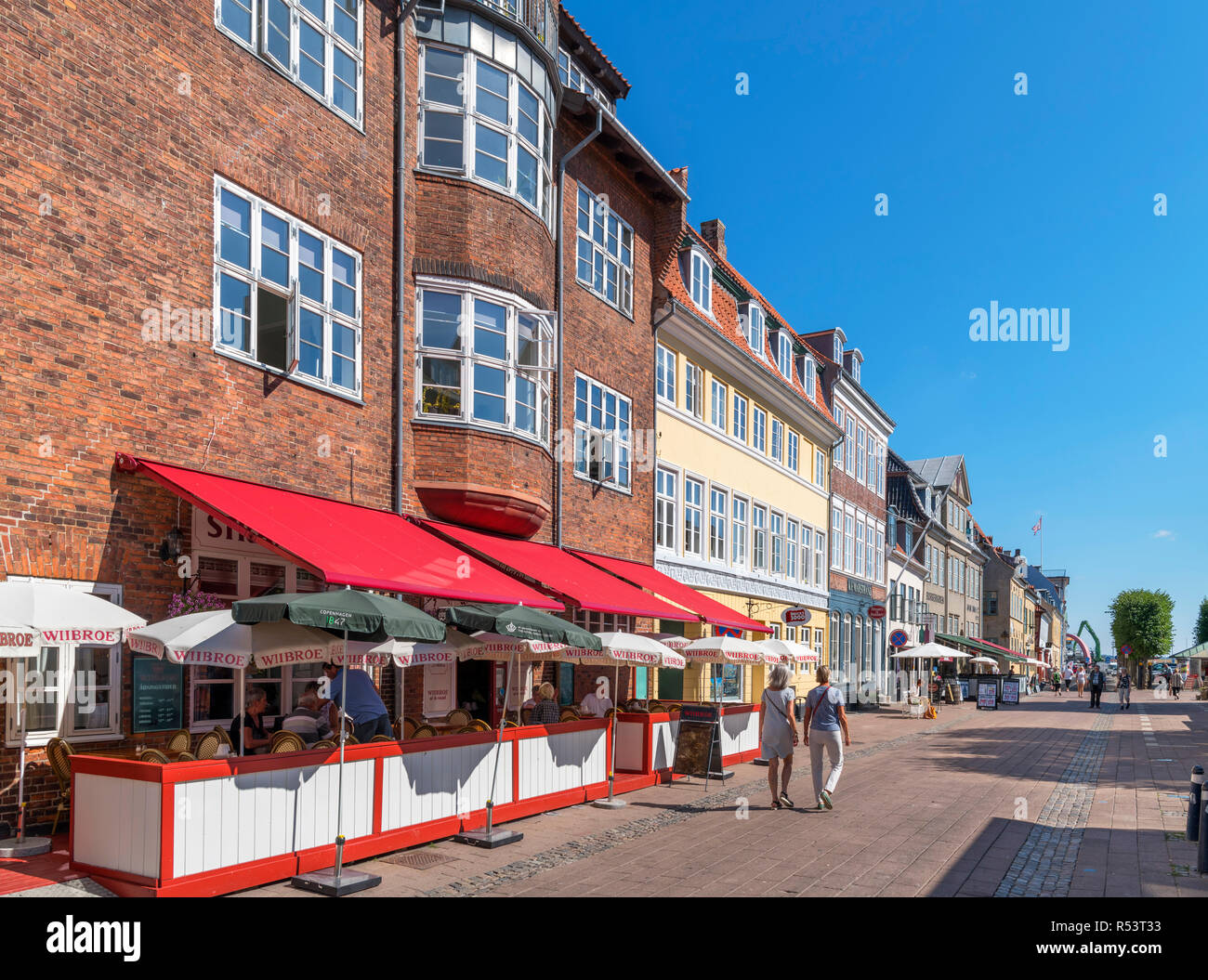 Shops and cafes on Strandgade in the old town centre, Helsingør ( Elsinore ), Zealand, Denmark Stock Photo