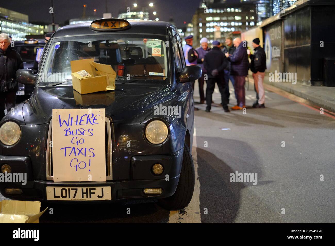 London, UK, 28th November, 2018. London cabbies block London Bridge. Credit: Martin Kelly/Alamy Live News. Stock Photo