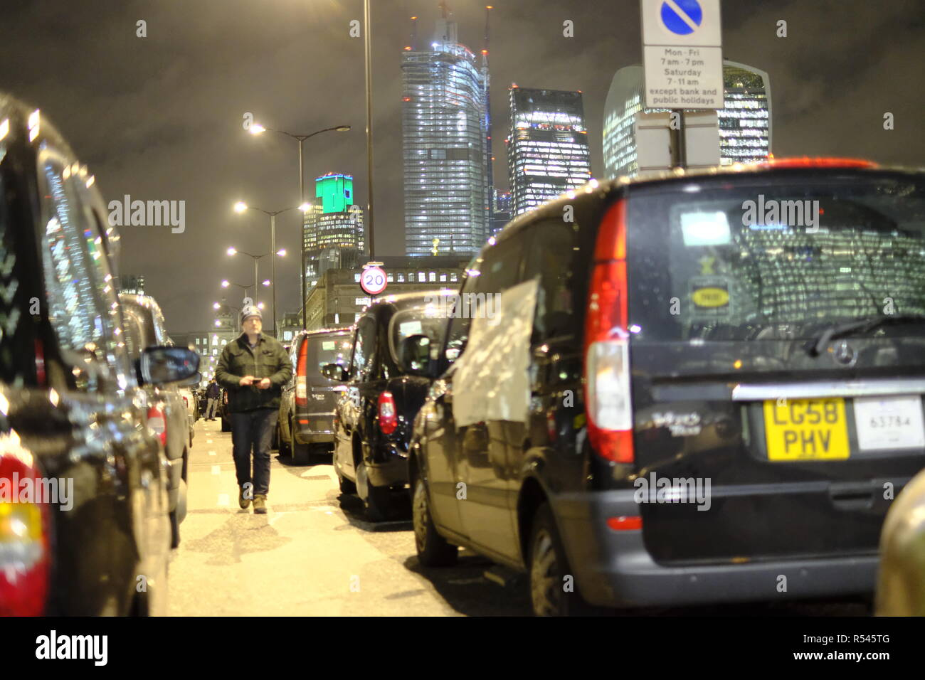 London, UK, 28th November, 2018. London cabbies block London Bridge. Credit: Martin Kelly/Alamy Live News. Stock Photo