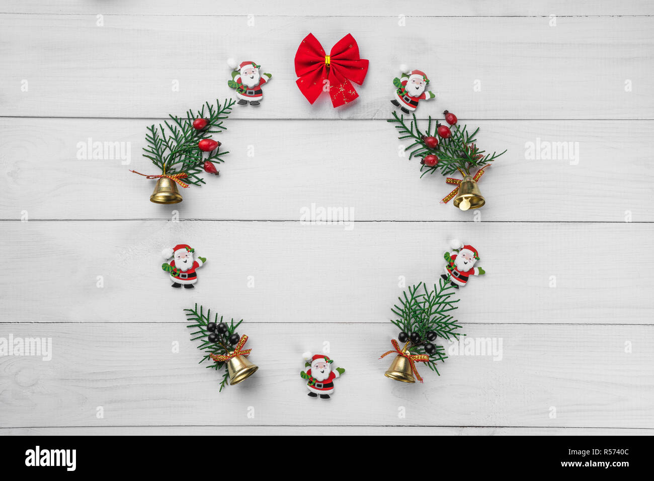 Christmas Winter Wreath Round Frame Christmas Tree Decorations