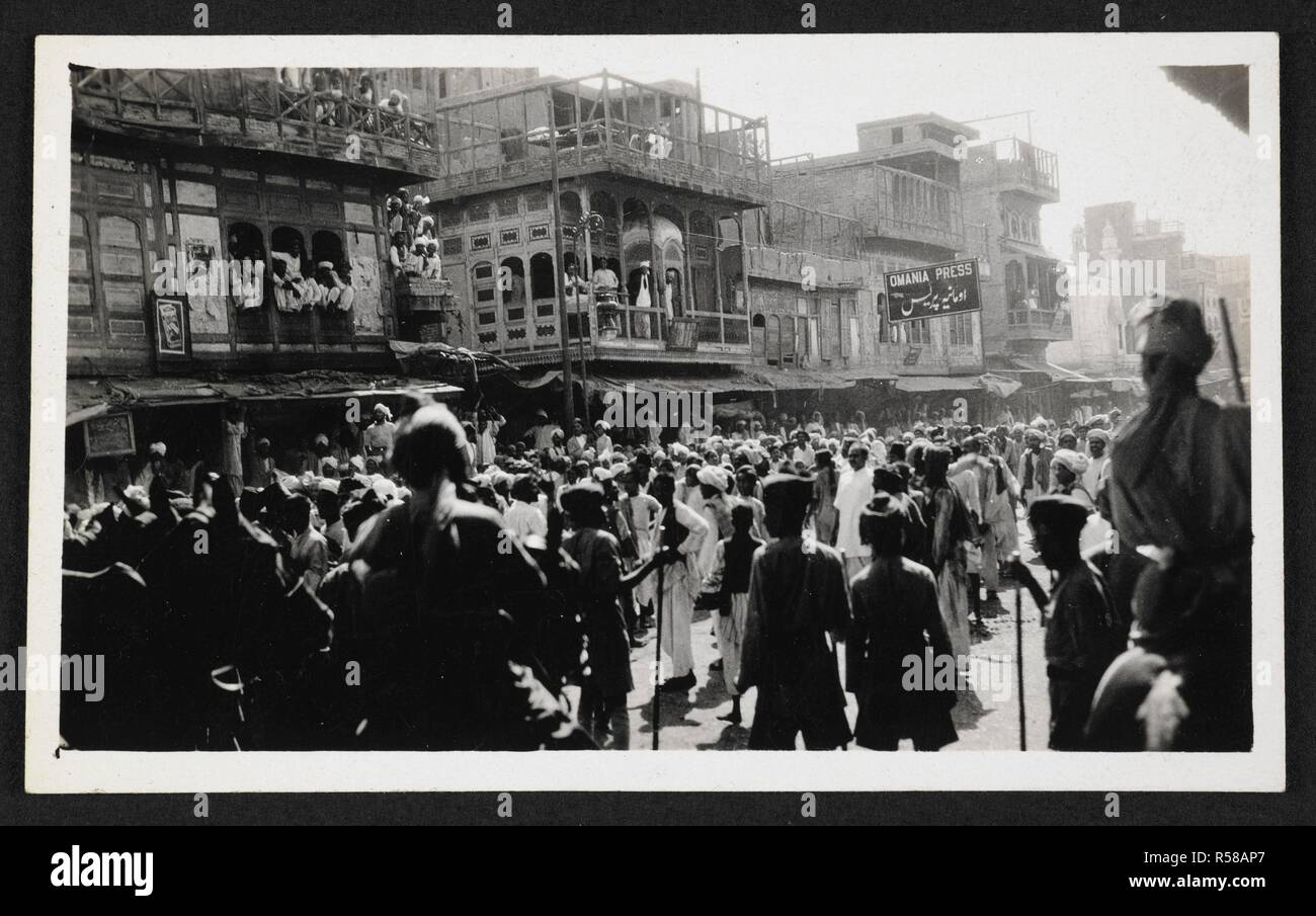 A good picture of part of the mob in the beginning of the riot