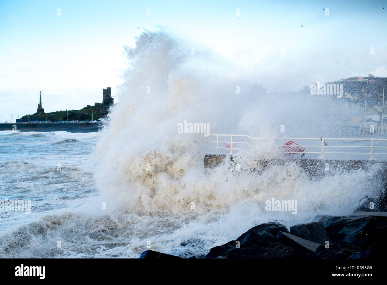 Aberystwyth Wales, UK. 30th Nov, 2018. UK Weather : In the aftermath of Storm Diana, strong gale force winds continue hammer huge waves against the sea defences in Aberystwyth on the Cardigan Bay coast of west Wales. photo Credit: keith morris/Alamy Live News Stock Photo