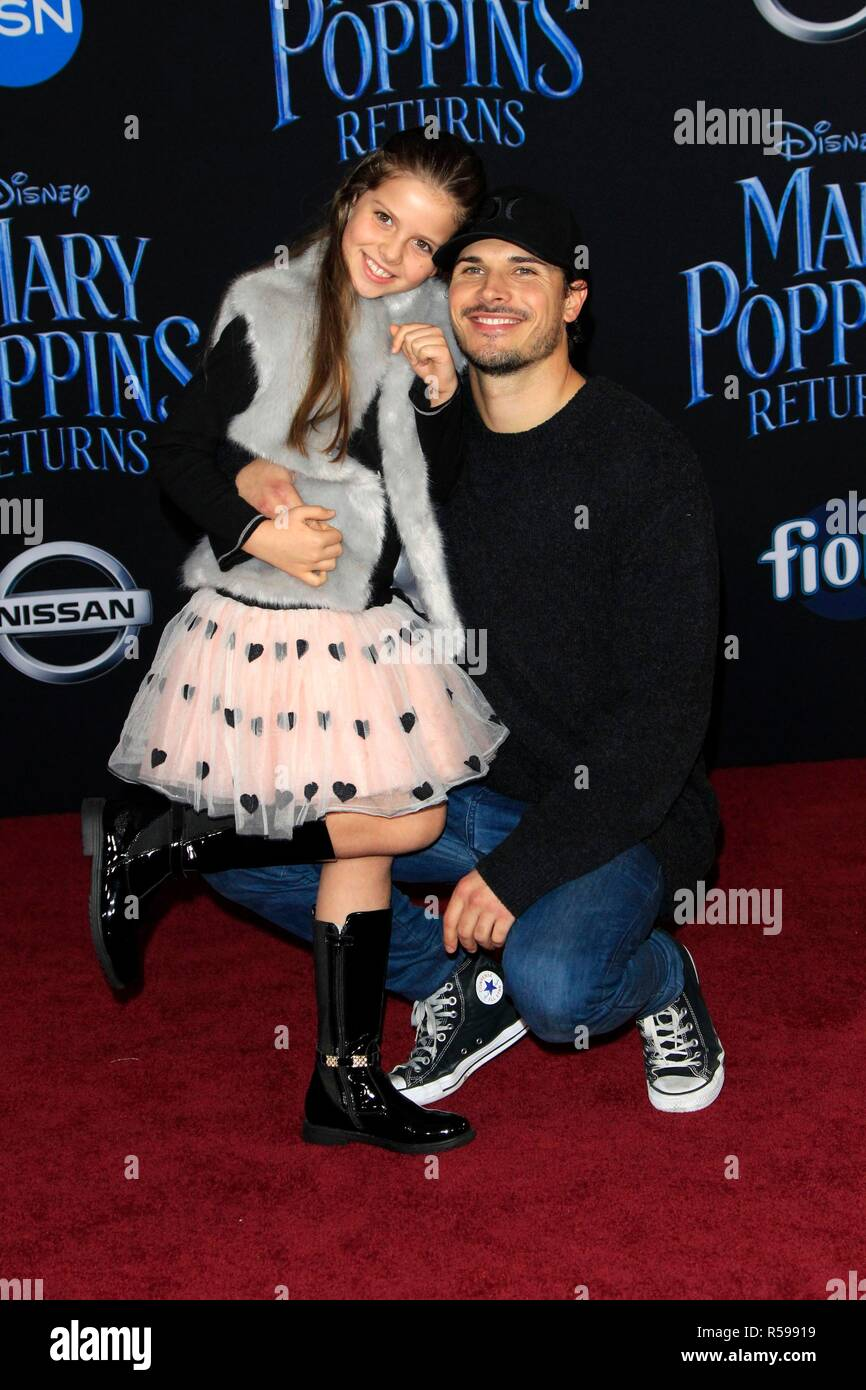 Olivia Savchenkova, Gleb Savchenko at arrivals for MARY POPPINS RETURNS Premiere, Dolby Theatre, Los Angeles, CA November 29, 2018. Photo By: Priscilla Grant/Everett Collection - Stock Image