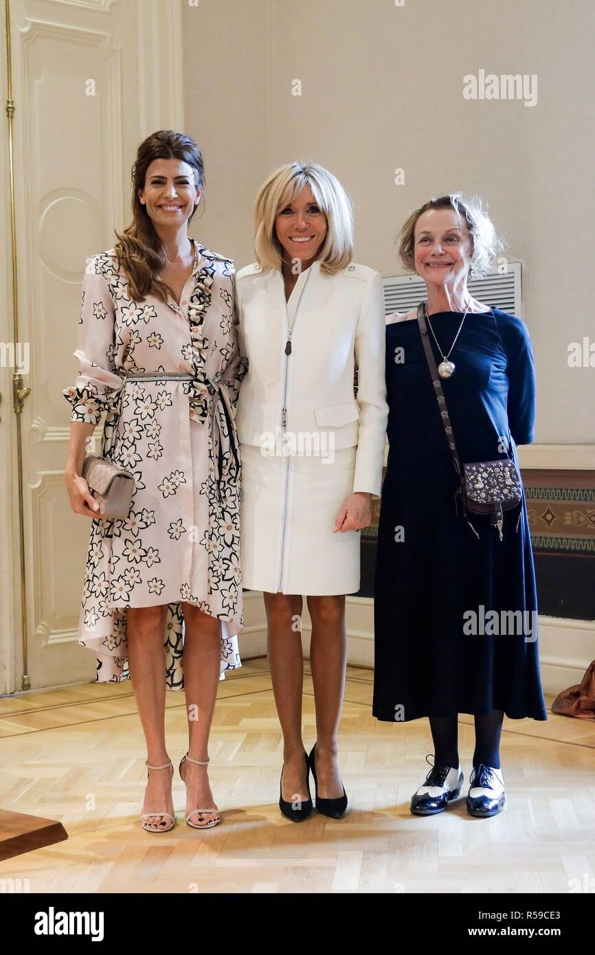 Melania Trump PHOTO w//Argentina 1st Lady Juliana Awada Art Print WHITE HOUSE