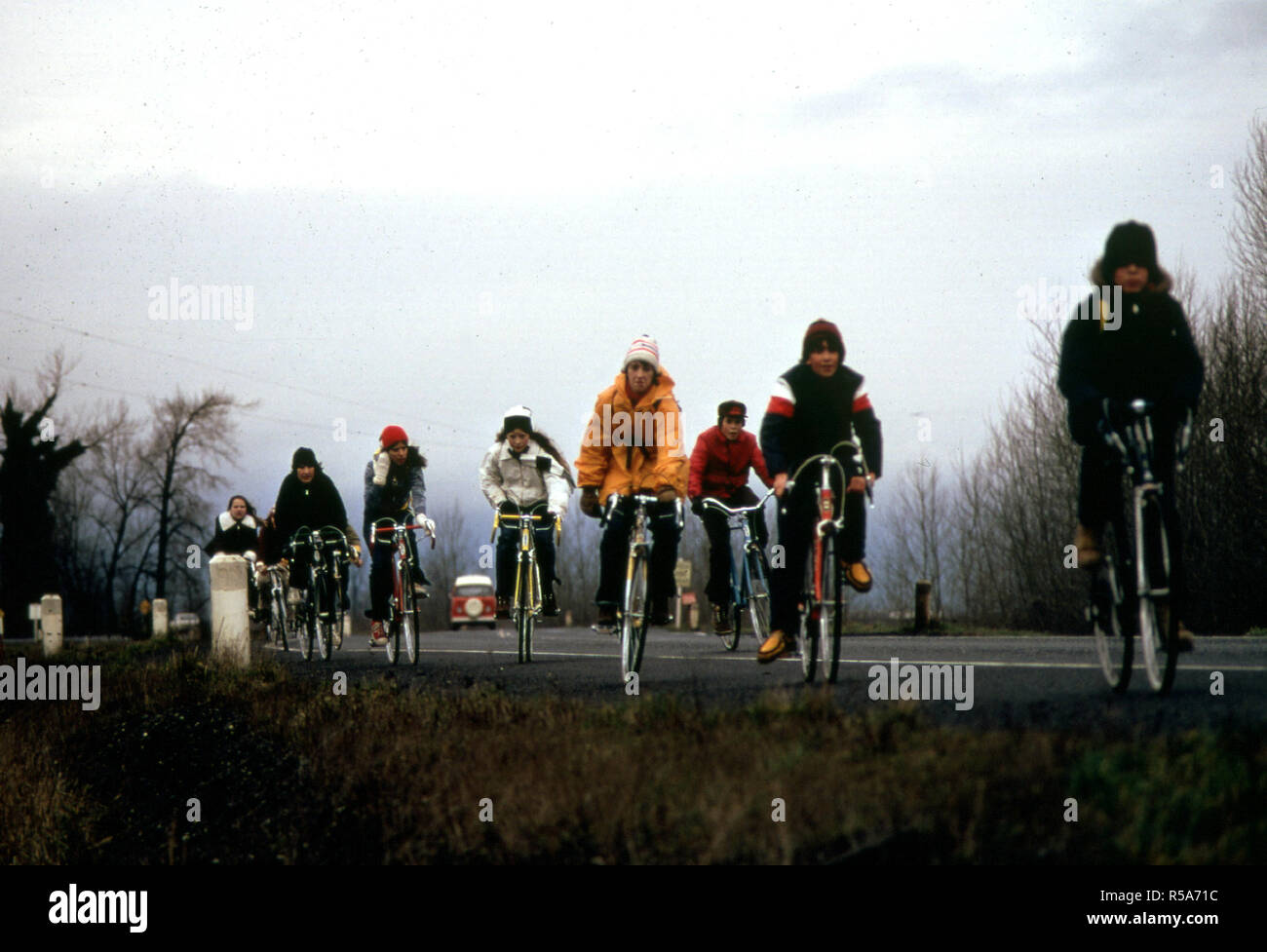 1974 Portland Area - School Children, Were Forced to Use Their Bicycles on Field Trips During the Fuel Crisis in the Winter of 1974. There Was Not Enough Gasoline for School Buses to Be Used for Extracurricular Activities, Even During Dark and Rainy Weather 02/1974 Stock Photo