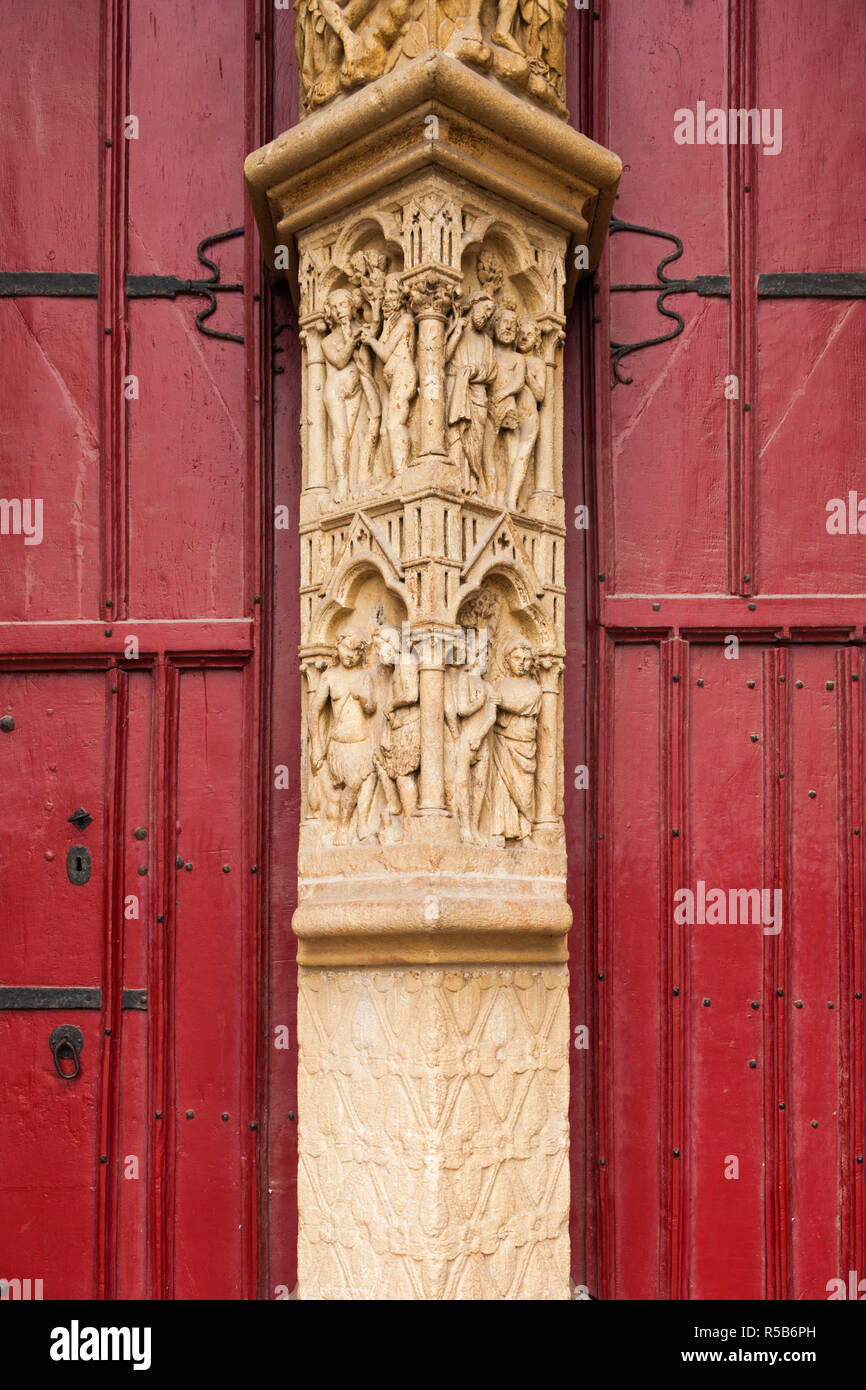 France, Picardy Region, Somme Department, Amiens, Cathedrale Notre Dame cathedral, front entrance detail Stock Photo