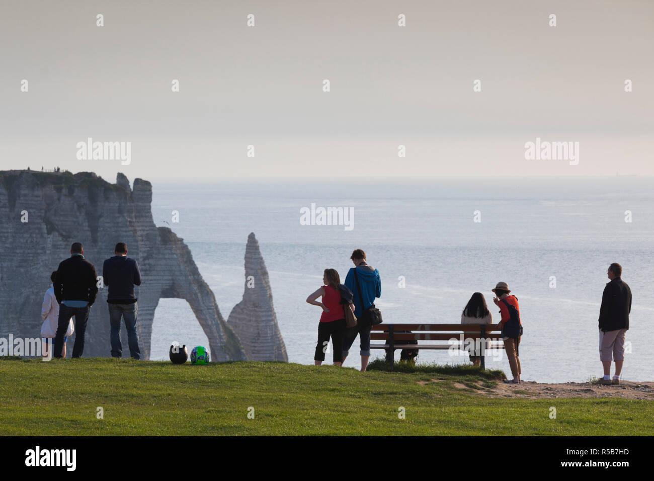 France, Normandy Region, Seine-Maritime Department, Etretat, hikers to the Falaise De Aval cliffs - Stock Image