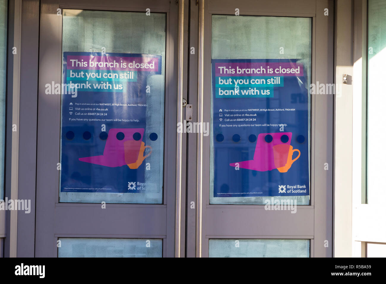 This branch is closed on the doors of a royal bank of scotland rbs branch, ashford, kent, uk - Stock Image