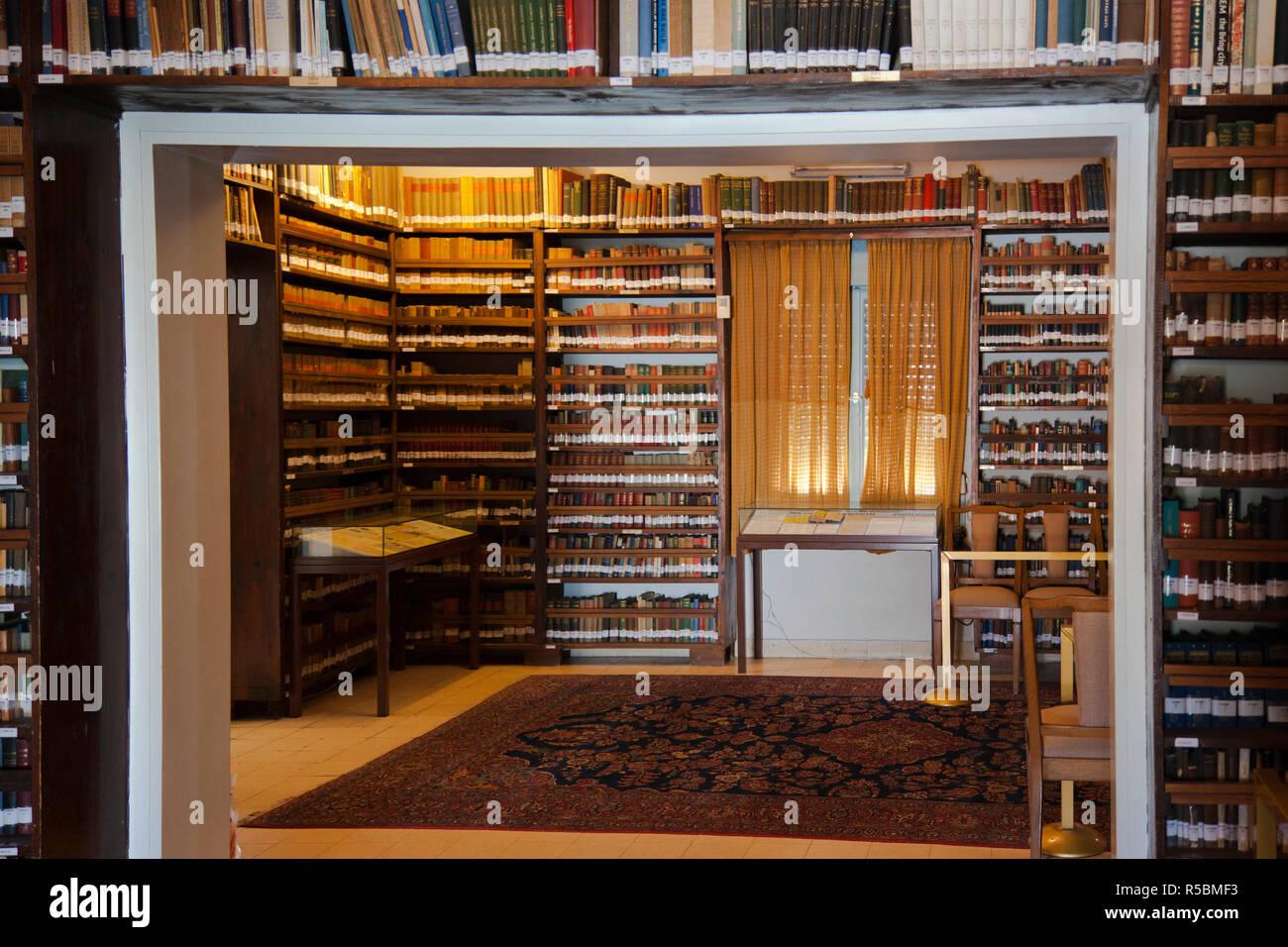 Israel, Tel Aviv, Ben Gurion Museum, former home of first Israeli Prime Minister, David Ben Gurion, library - Stock Image