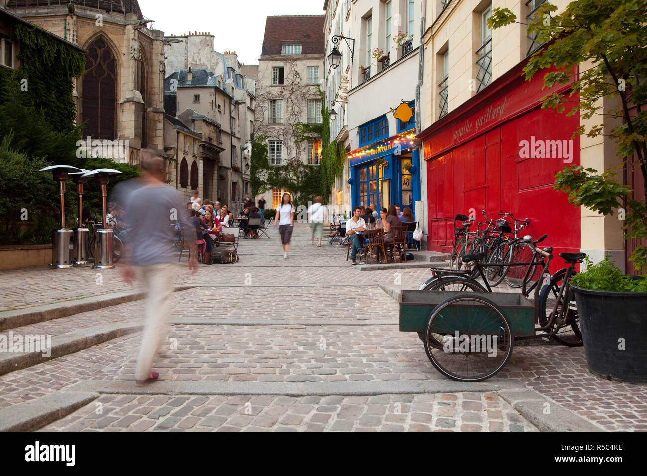 Rue du Pont Louis Philippe, Marais District, Paris, France - Stock Image