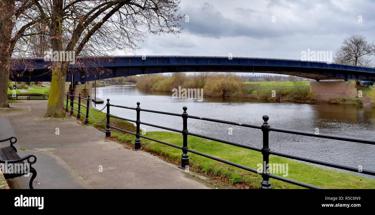Panoramic of the Upton-Upon-Severn bridge over the river Severn at Upton-Upon-Severn Worcestershire, UK in winter - Stock Image