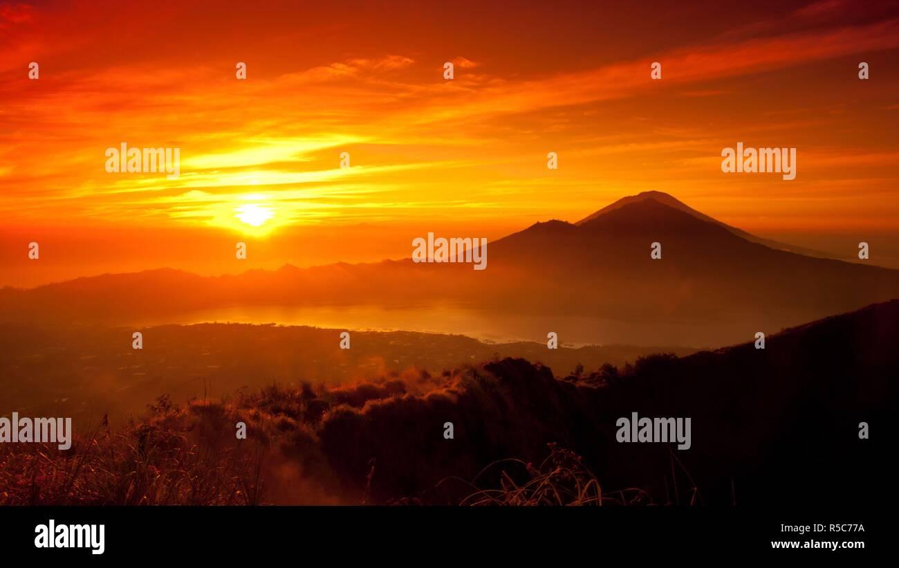 4K Sunset In Tibet - Stock Image