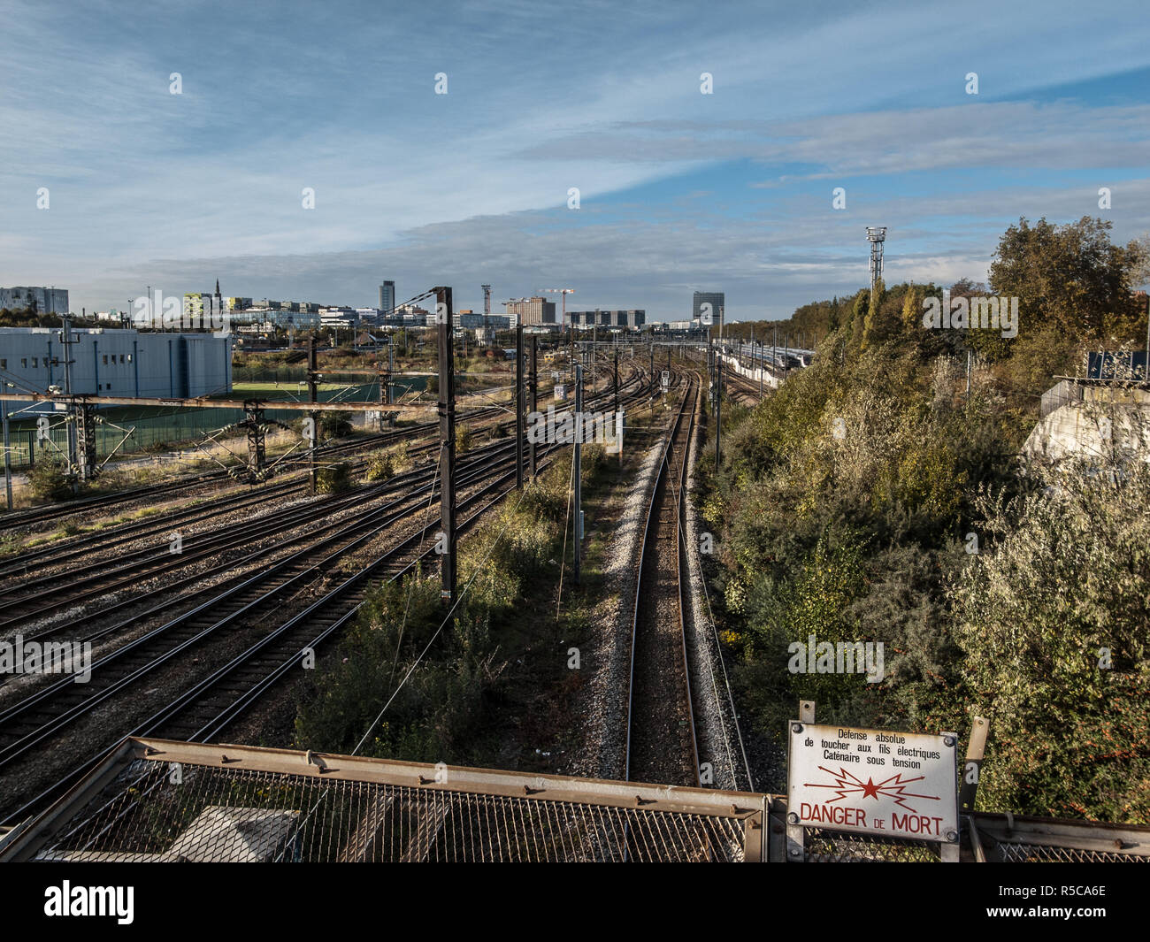 LILLE TRAIN LINES GOING TO LILLE FLANDRES STATION - LILLE TRAIN - LILLE TRANSPORT - FRENCH TRAIN - REGION HAUTS DE FRANCE @ Frédéric BEAUMONT - Stock Image