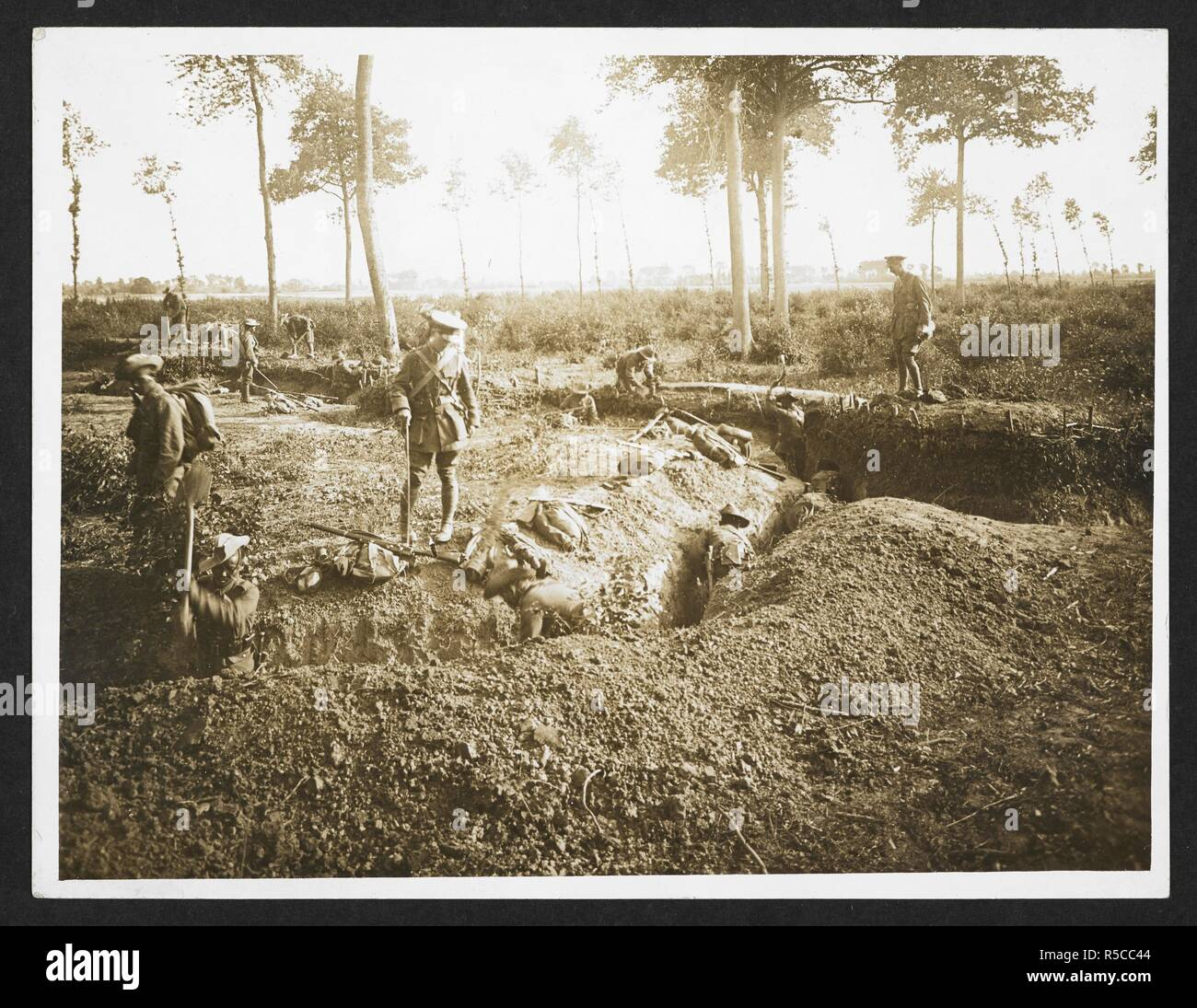 Fire Trench Stock Photos Images Alamy Diagram Ww1 1 Gurkhas At Work On A And Communication