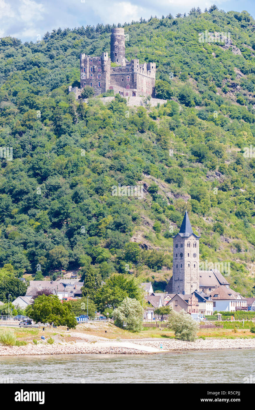 Rhine River Valley, Germany. Maus  Castle, above Wellmich Village. Stock Photo
