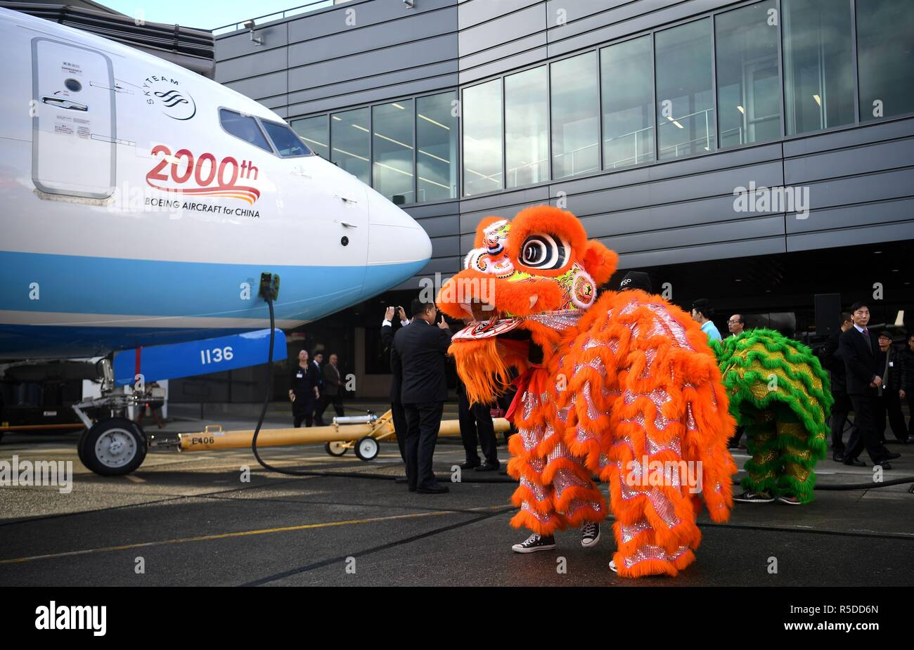 Seattle. 30th Nov, 2018. Photo taken on Nov. 30, 2018 shows the delivering ceremony of the 2,000th Boeing airplane to China in Seattle, the United States. Top U.S. aircraft manufacturer Boeing Company on Friday delivered its 2,000th airplane to China, which is a milestone for the U.S. aircraft maker in the world's largest commercial aviation market. Credit: Wu Xiaoling/Xinhua/Alamy Live News - Stock Image