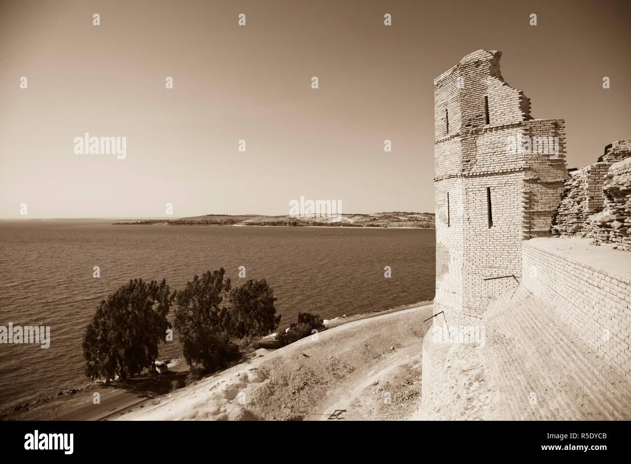 Syria, Euphrates river , Ath Thaura, Lake Al-Assad and Qalaat Jaabar Castle Stock Photo