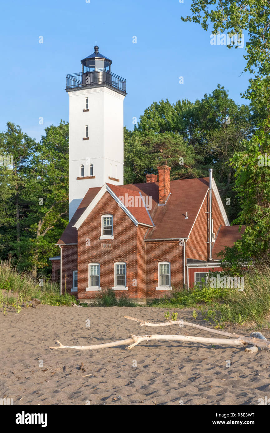 Built in 1872, the Presque Isle Lighthouse marks a large peninsula extending into Lake Erie at Erie, Pennsylvania. Stock Photo