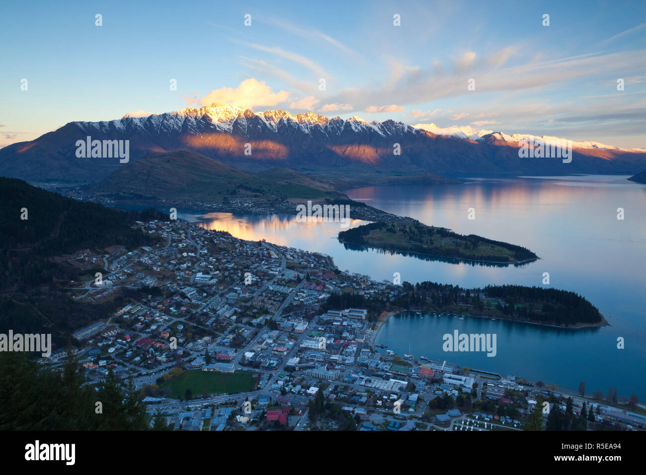 Queenstown Overview, Queenstown, Central Otago, South Island, New Zealand - Stock Image
