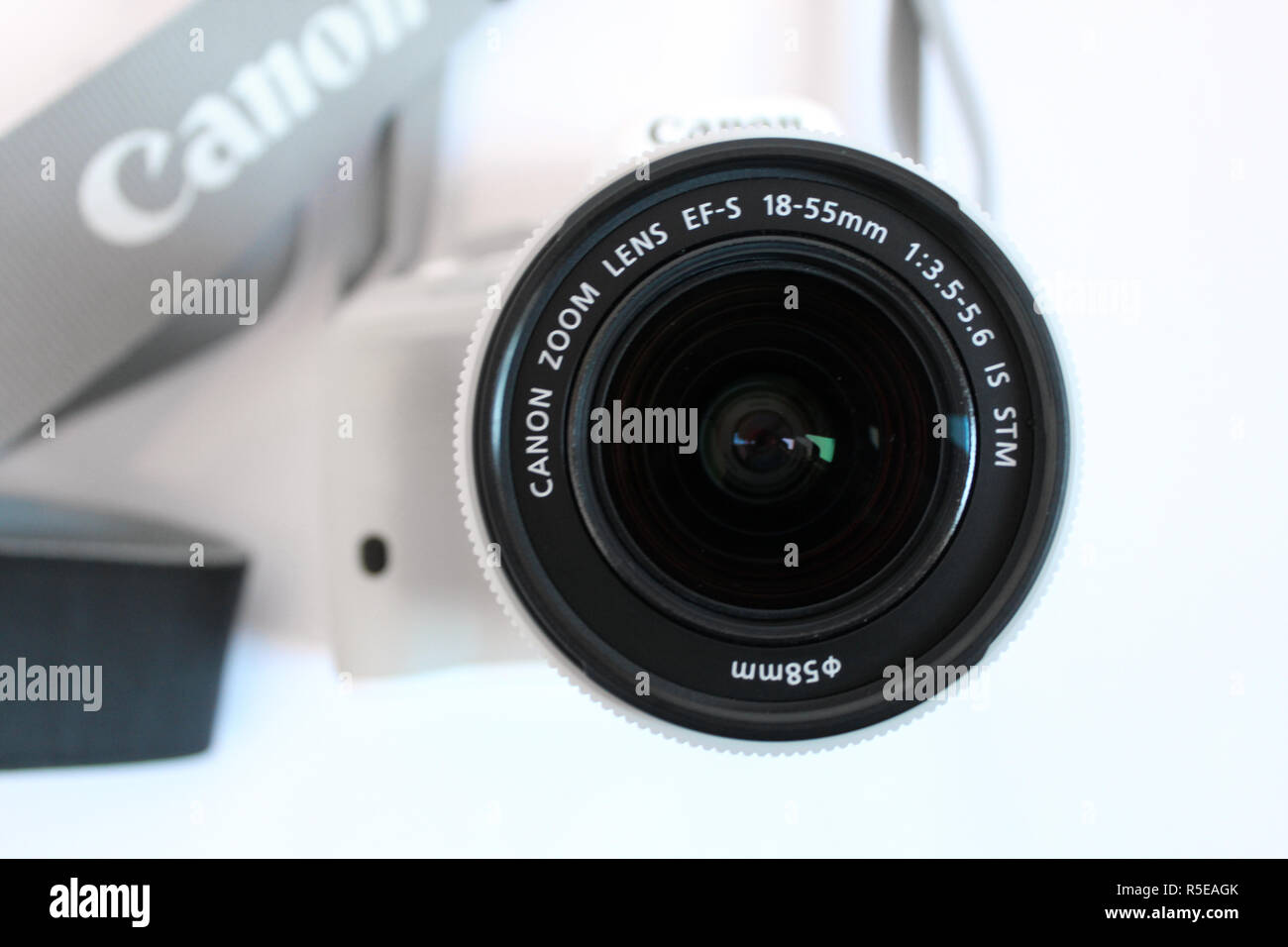 Camera Canon 100d eos, lens efs 18-55mm, editorial, illustrative - Stock Image