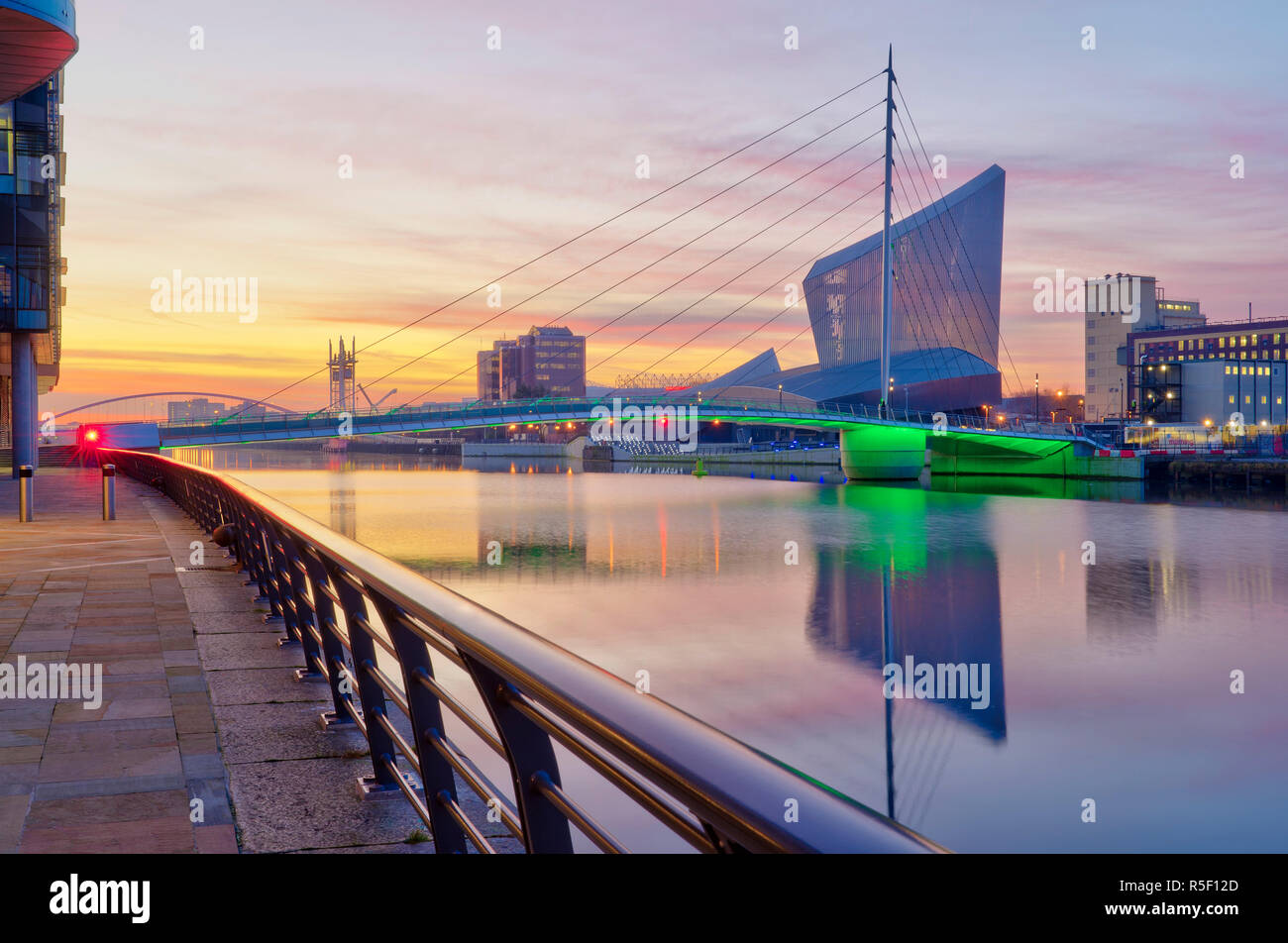UK, England, Greater Manchester, Salford, Salford Quays, Imperial War Museum North and MediaCityUK Footbridge Stock Photo