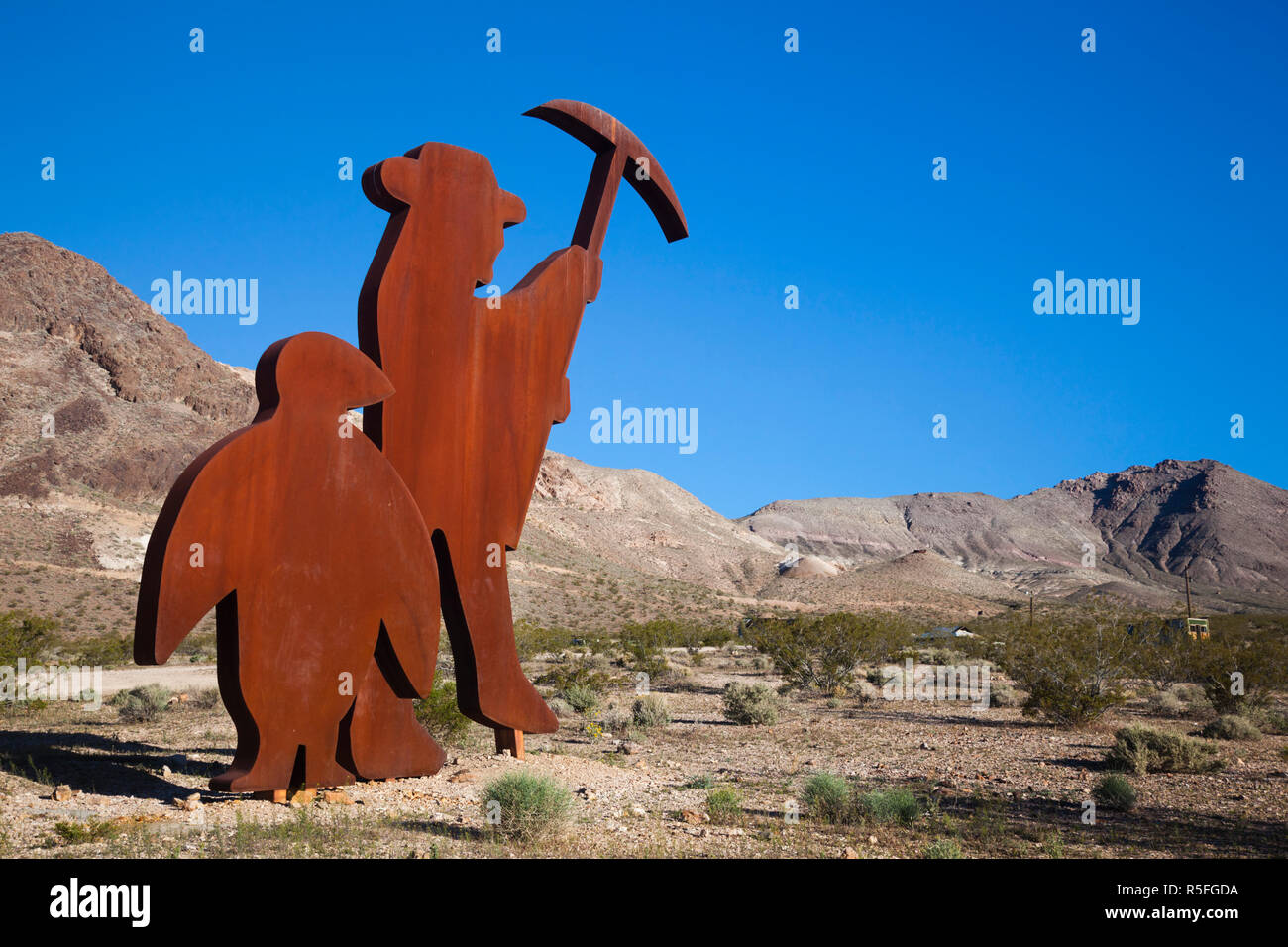 USA, Nevada, Great Basin, Beatty, Rhyolite Ghost Town, Goldwell Open Air Museum, Tribute to Shorty Harris by Fred Bervoets - Stock Image