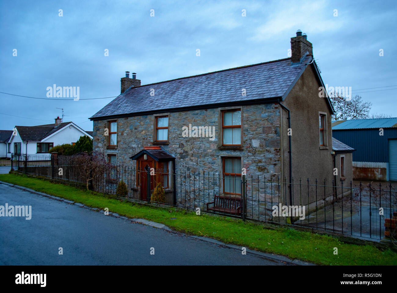 Farm house in Dramore, Ireland - Stock Image