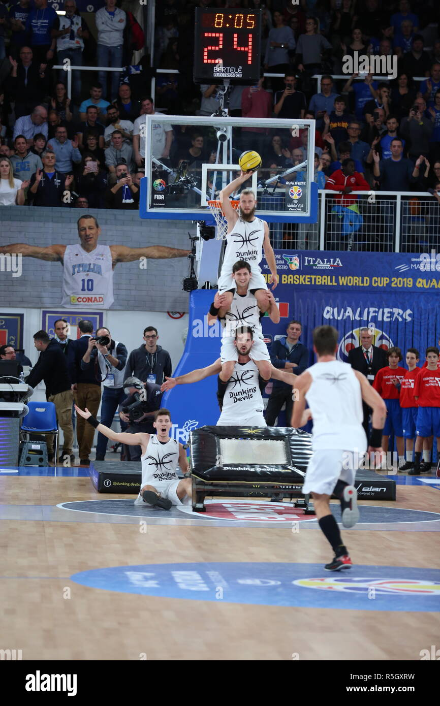 The Dunking Devils during the half-time break of Italia v Lithuania, FIBA Basketball World Cup 2019 European Qualifiers, Group J, Game Day 09 - Stock Image