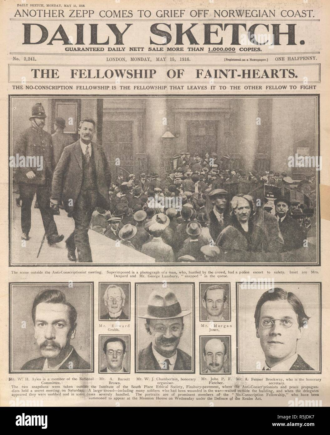 'The fellowship of faint-hearts'. A newspaper article on the 'no-conscription fellowship'. Daily Sketch. London, 1916. Source: Daily Sketch, 15 May 1916 front page. Stock Photo