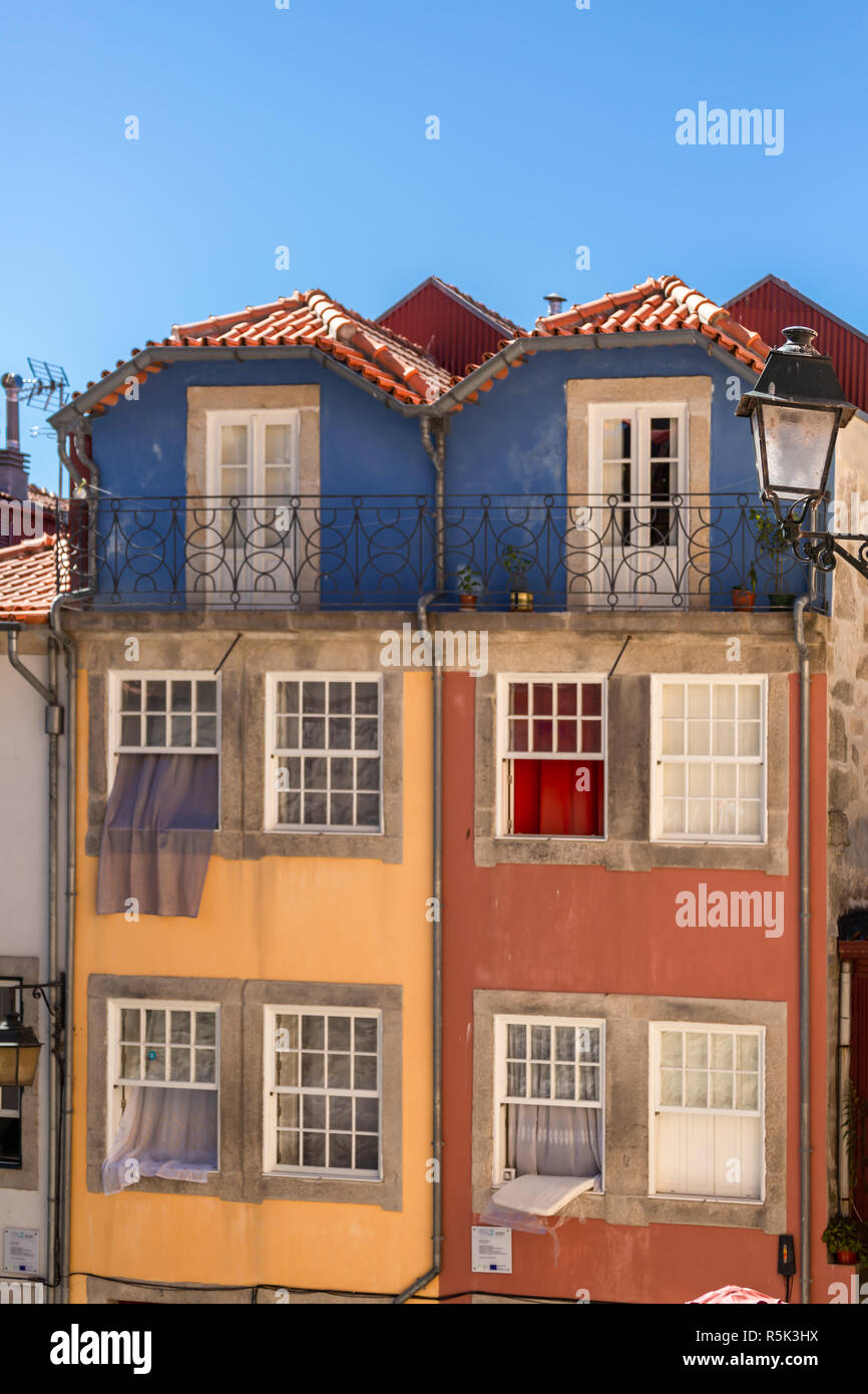 Oporto/Portugal - 10/02/2018 : View at a traditional and colored urban buildings on Porto downtown - Stock Image