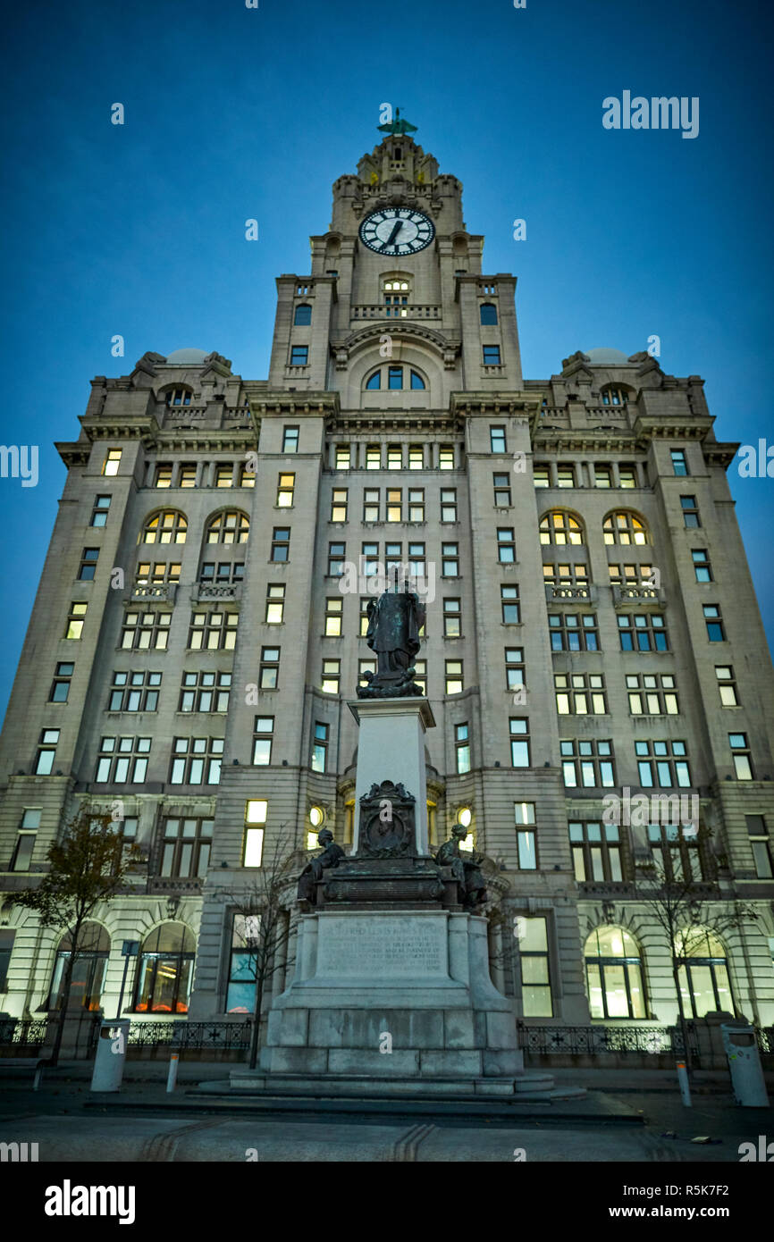 Liverpool Waterfront Pier Head Liver Building at night Stock Photo
