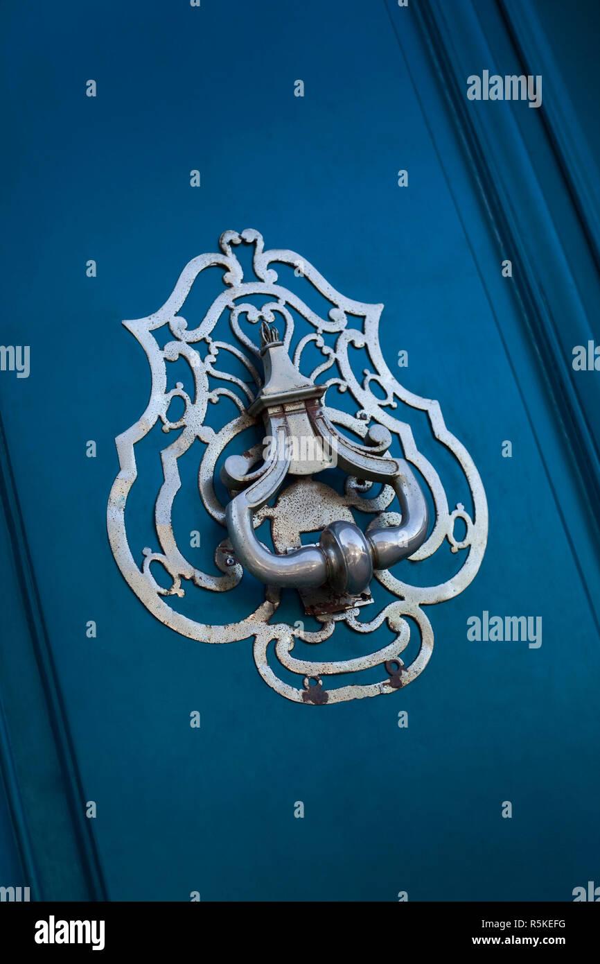 Bank Door Closed Stock Photos & Bank Door Closed Stock Images - Alamy