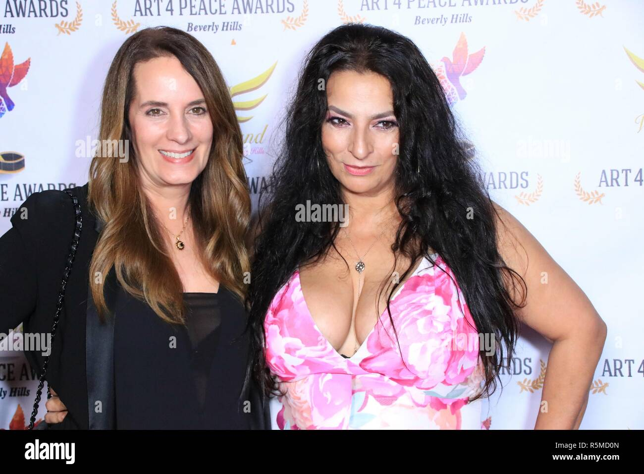Alice Amter Big Bang Theory High Resolution Stock Photography And Images Alamy Trouvez les alice amter images et les photos d'actualités parfaites sur getty images. https www alamy com alice amter receives the outstanding supporting actress in a comedy series award for cbs the big bang theory at the 3rd annual art 4 peace awards in los angeles featuring alice amter lisa haisha where beverly hills california united states when 29 oct 2018 credit wenncom image227257317 html