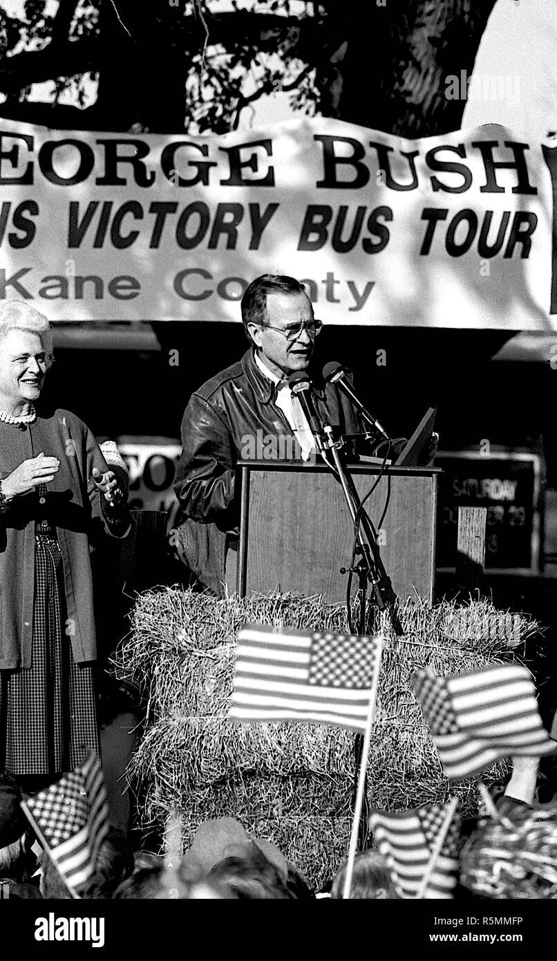 Chicago, Illinois. 10-29-1988 Vice-President George H.W. Bush makes a campaign stop at county fair in Illinois.  Credit: Mark Reinstein /MediaPunch - Stock Image