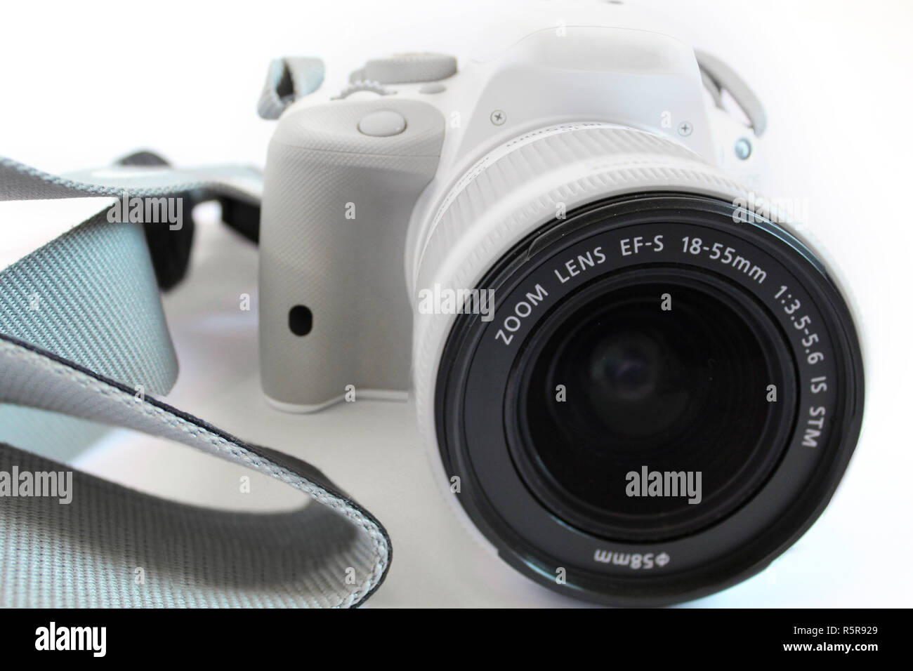 Camera digital slr single lens reflex white - Stock Image
