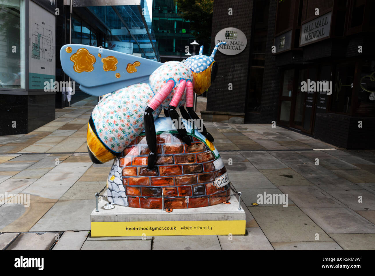 Bee In The City Sculpture - Stock Image