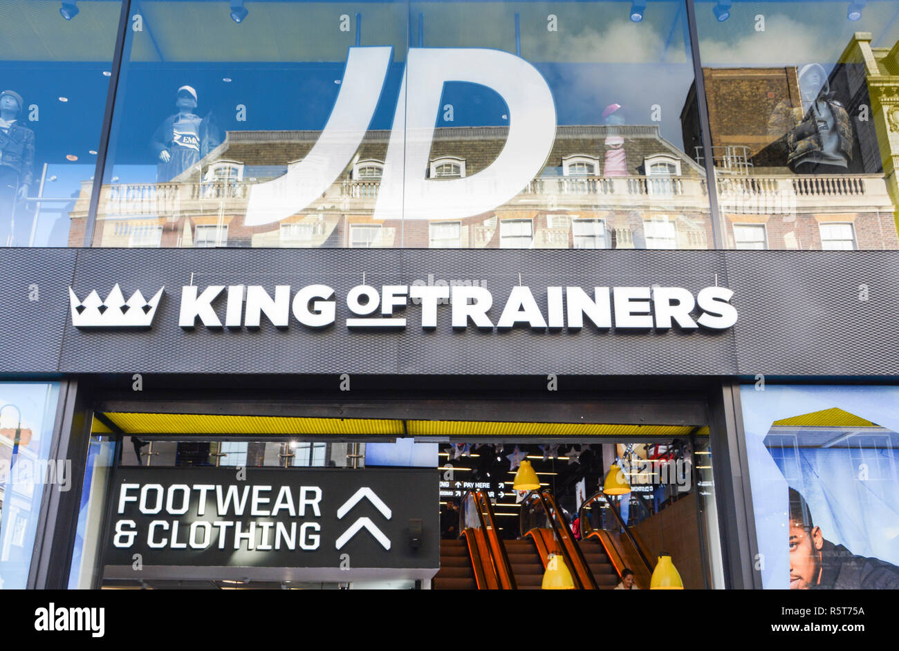 22e62813b539d Jd Sports Store Uk Stock Photos & Jd Sports Store Uk Stock Images ...