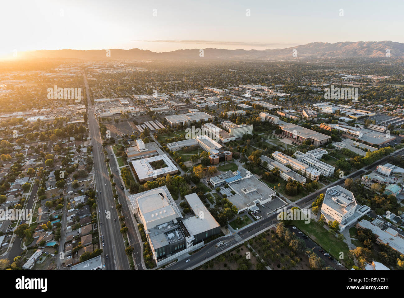 Los Angeles, California, USA - October 21, 2018:  Aerial sunset view of California State University Northridge campus and Nordhoff Street in the San F - Stock Image