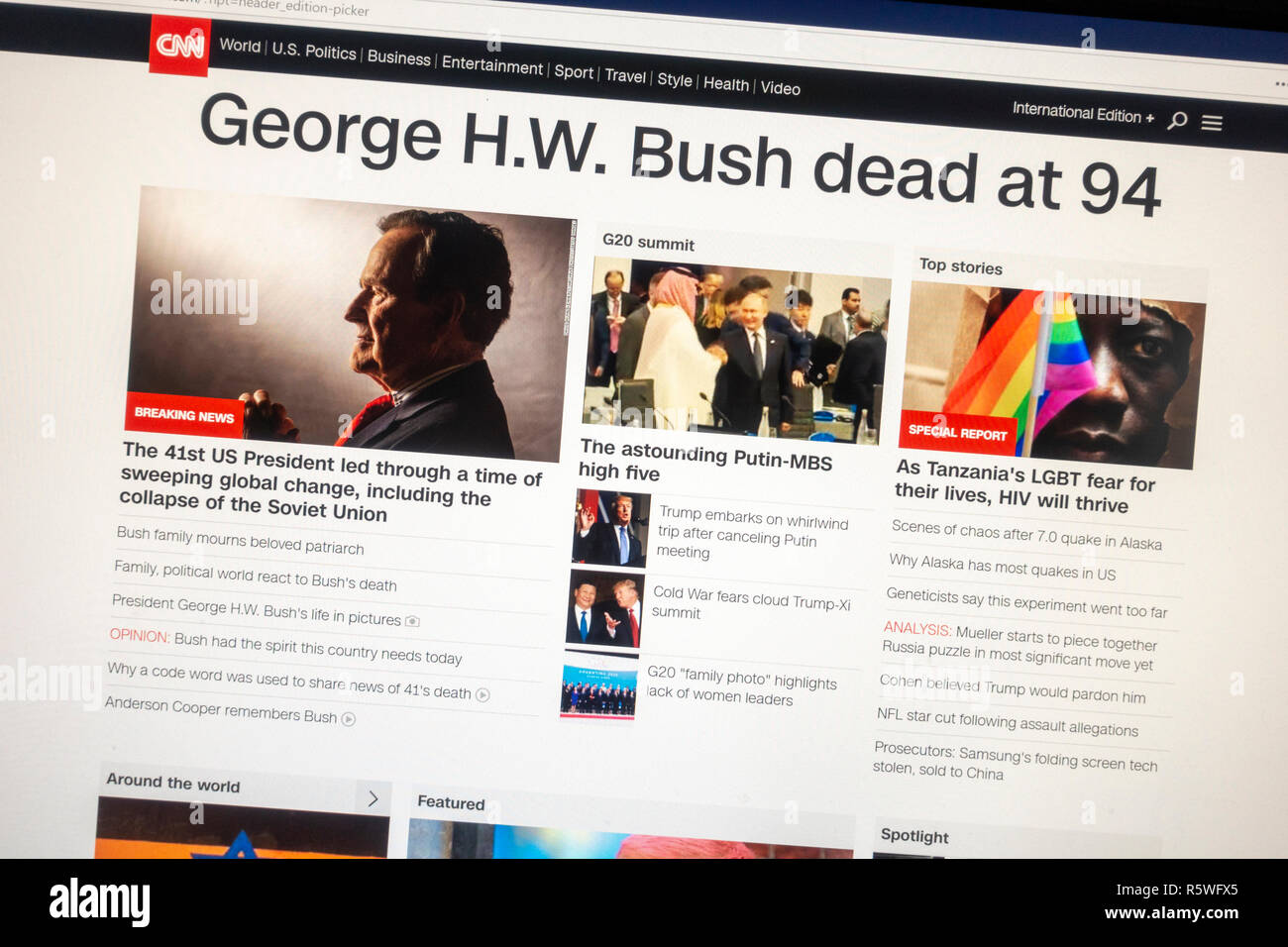 Screenshot of CNN website following the death of President George H.W. Bush on 1st December 2018.  This is the International version. - Stock Image