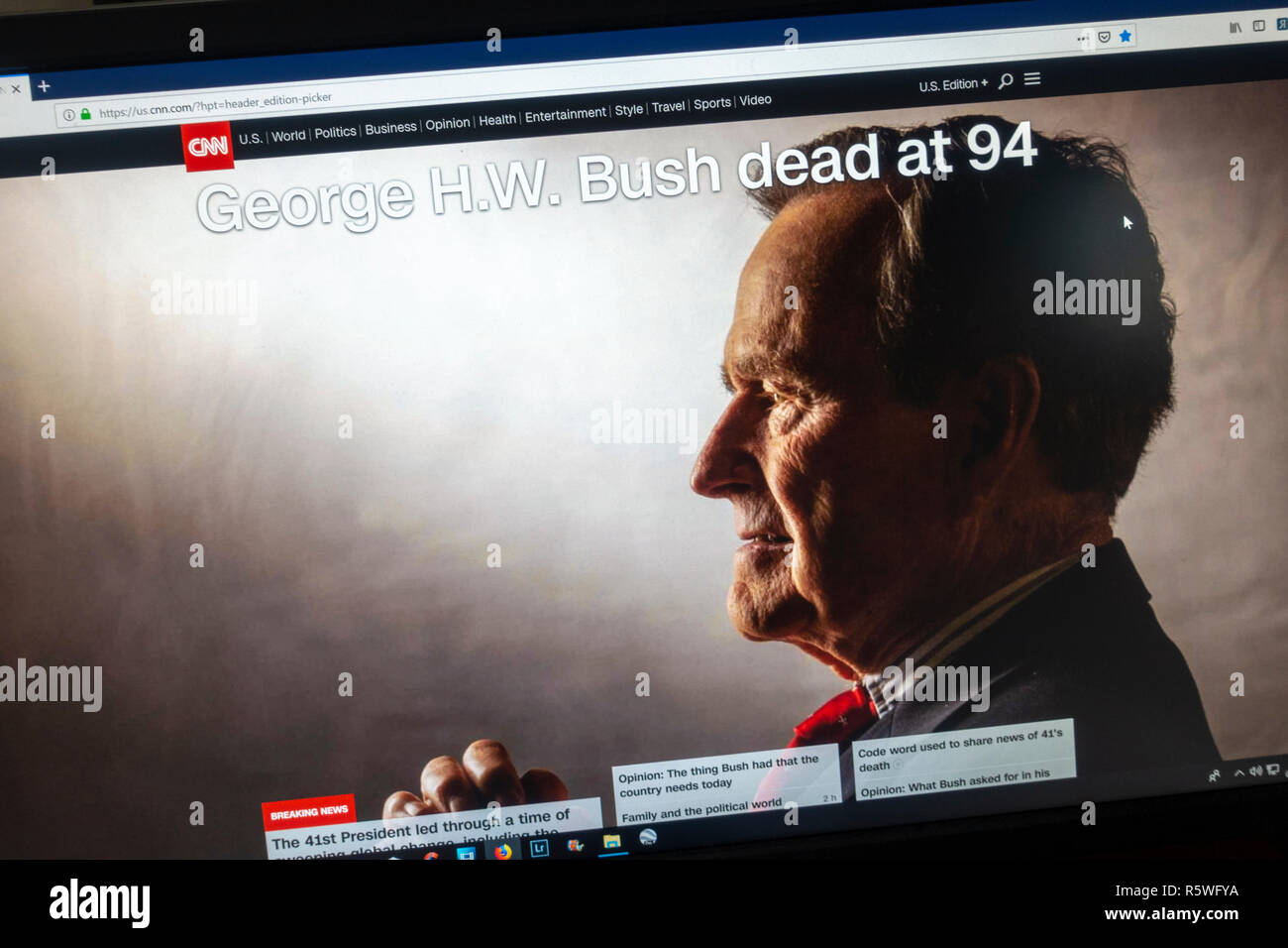 Screenshot of CNN website following the death of President George H.W. Bush on 1st December 2018.  This is the US version. - Stock Image