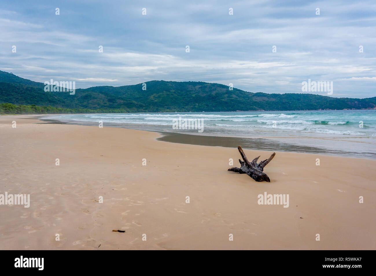 Deserted Lopes Mendes beach, Ilha Grande, Brazil - Stock Image